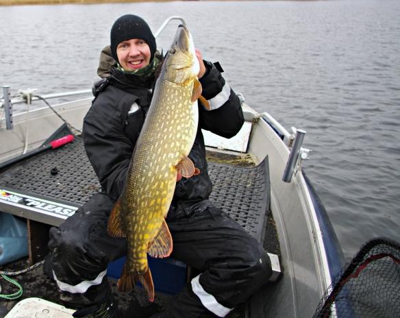 Gädda9,5 kg 106 cm